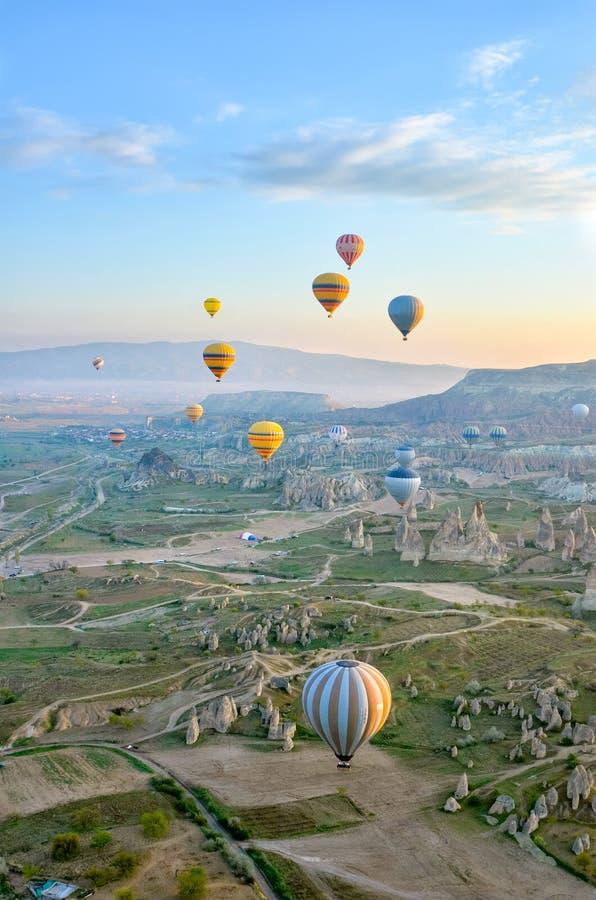 TURKIET CAPPADOCIA, SVÄLLER royaltyfri fotografi