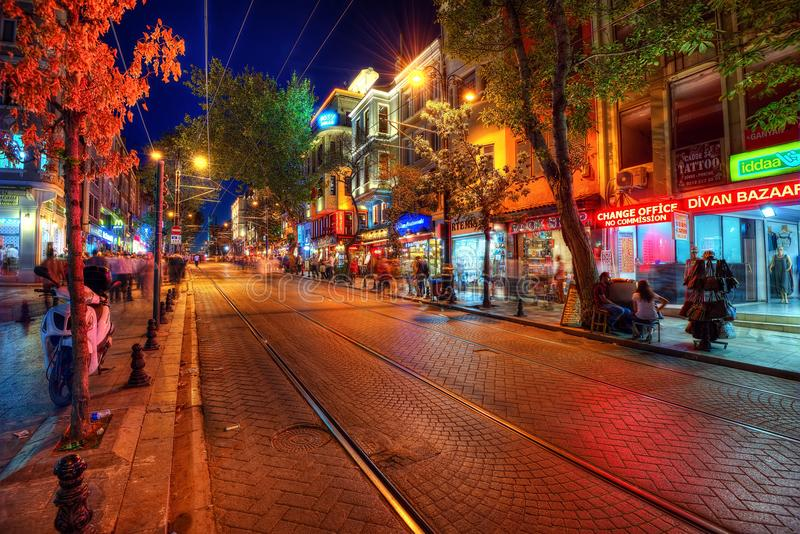 Turkiet gatamarknad på natten royaltyfri bild