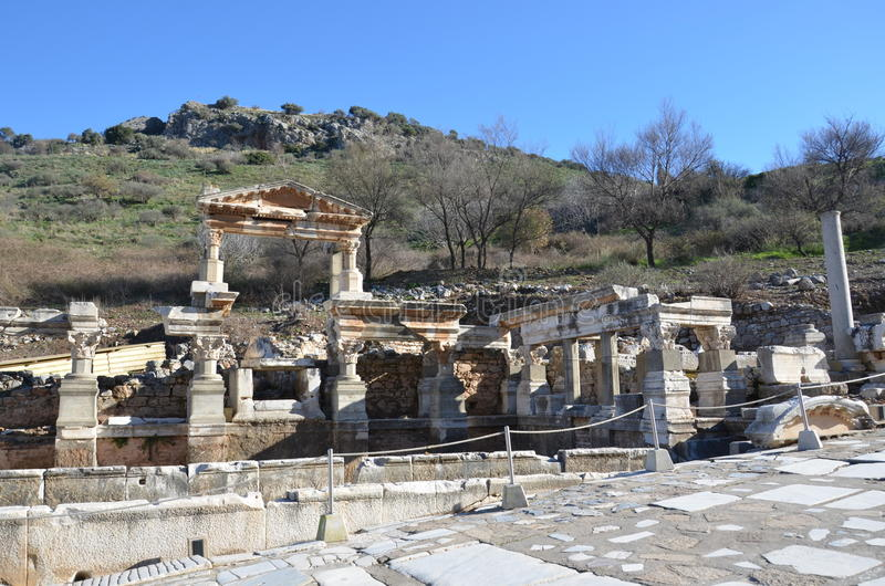 Turkiet Izmir, Bergama i Hellenistic byggnader för gammalgrekiska, denna är en verklig civilisation, badar royaltyfri foto