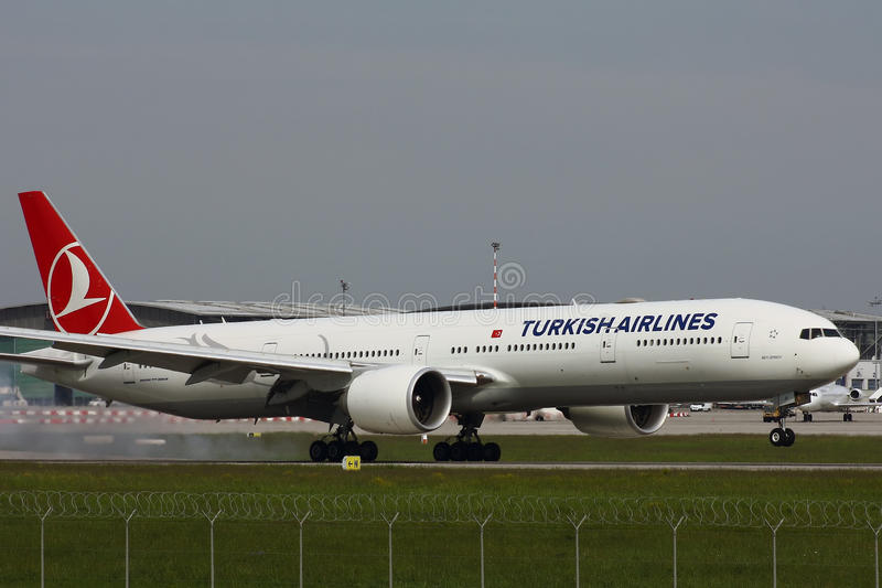 Turkish Airlines Boeing-777 stock photography