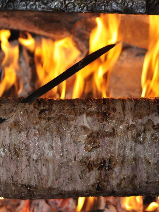 turkish kebab doner зажаренный в духовке мясом стоковое фото