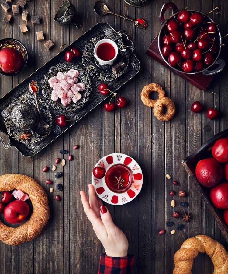 Turkisk frukost i Istanbul royaltyfria bilder