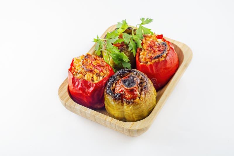 Turkisk kokkonst, välfyllda peppar i ugnen royaltyfri foto