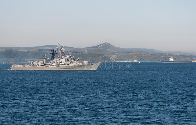 Turkisk krigsskepp i Dardanellesna royaltyfri fotografi
