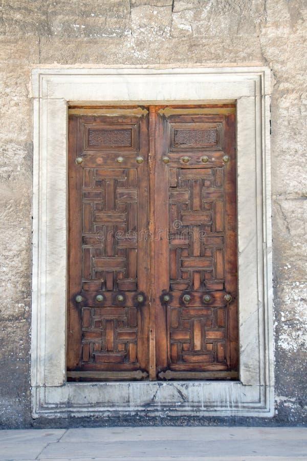 Turkisk traditionell dörrarkitektur royaltyfri foto