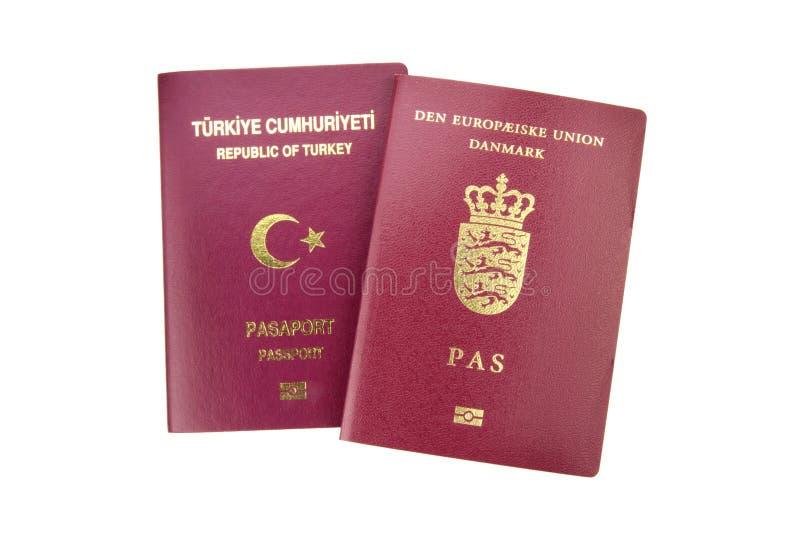 Turkiskt och danskt pass royaltyfri foto
