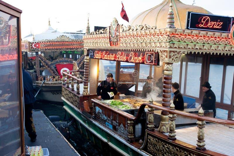 Turks buffet met vissensandwiches royalty-vrije stock fotografie