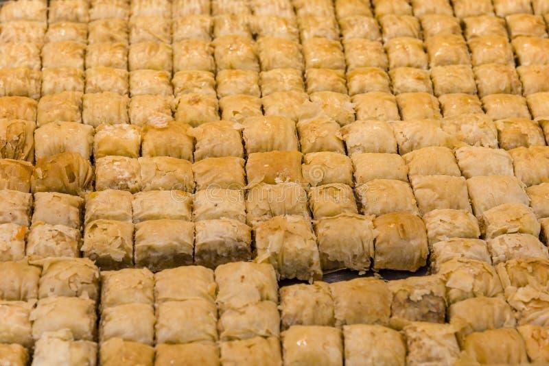 Turks Dessert Baklava met concepten oostelijke snoepjes als achtergrond royalty-vrije stock foto's