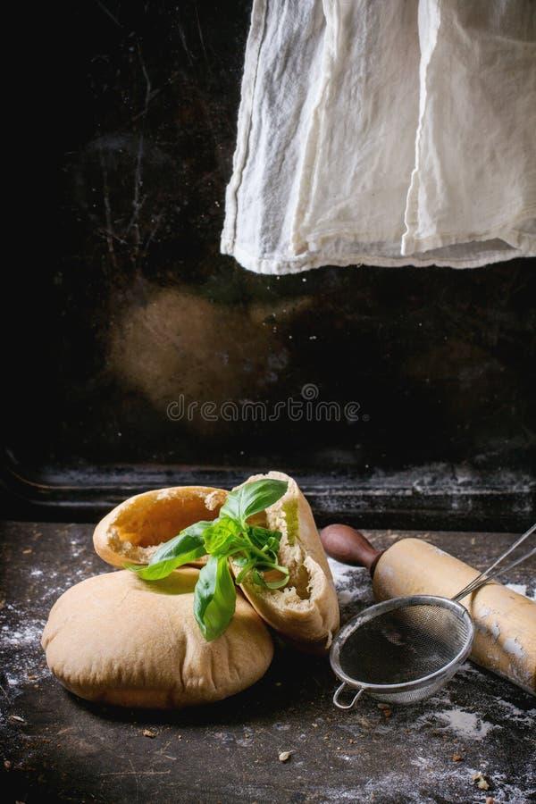 Download Turks pitabroodje stock afbeelding. Afbeelding bestaande uit plak - 54076685