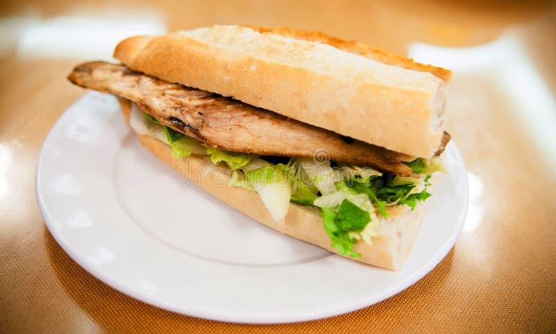 Turkse de Vissensandwich van Balik Ekmek Traditionele Turkse fastfood royalty-vrije stock afbeelding