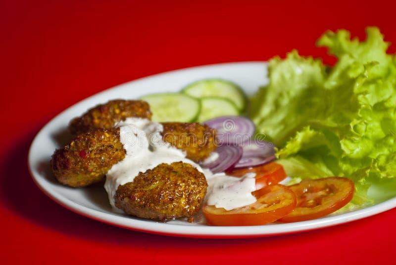 Turkse kofte (vleesbal) stock afbeeldingen