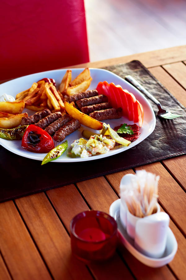 Turkse Kofte (Vleesballetjes) royalty-vrije stock foto