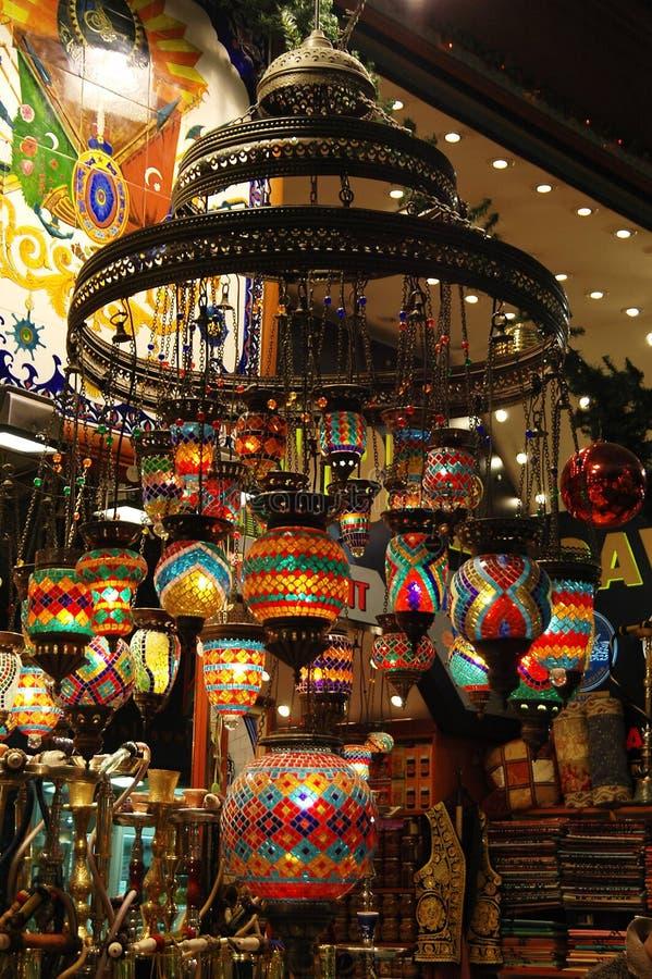 Turkse Markt: Kroonluchter royalty-vrije stock foto