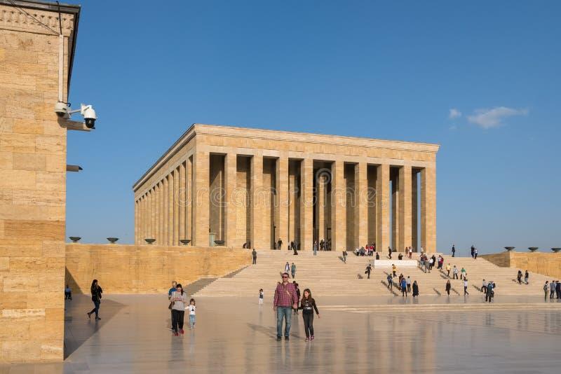Turkse mensen die Ataturk-Mausoleum, Anitkabir in Ankara, Turkije bezoeken royalty-vrije stock fotografie