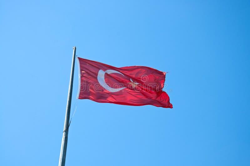 Turkse vlag Nationale vlag van Turkije op vlaggestok royalty-vrije stock fotografie
