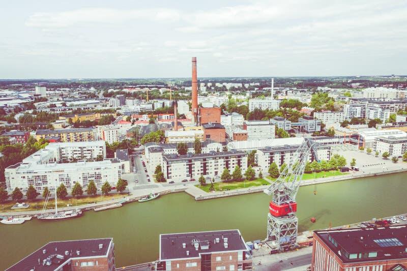 TURKU, FINLANDIA - AGOSTO 02,2019: Vista aérea da cidade de Turku Foto feita pelo zang?o de cima de finland europa fotografia de stock