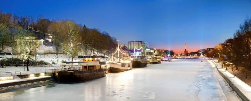 Turku, Finlandia, piękny widok aury rzeka obrazy stock