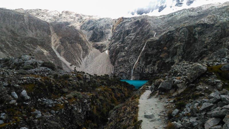 Turkusowy jeziorny Laguna 69 lokalizować w Białym Cordillera w Peru obrazy stock