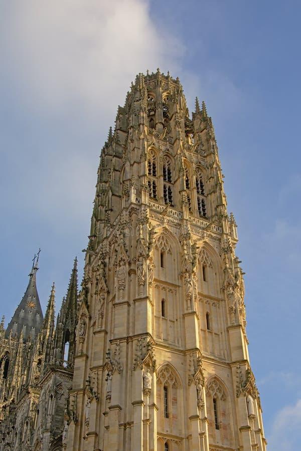 Turm der römisch-katholischen Kathedrale von Rouen, Frankreich stockfoto