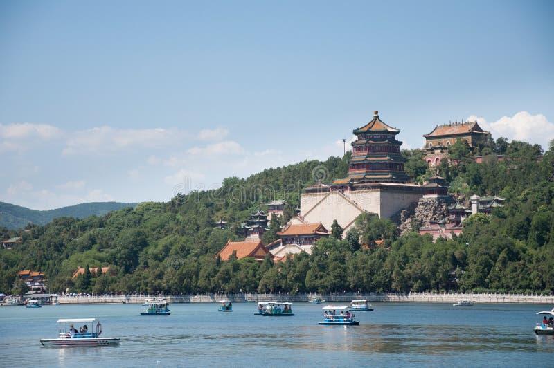 Turm des buddhistischen Weihrauchs Foxiangge Langlebigkeits-Hügel Wanshoushan Kunming See Kunminghu Sommer-Palast Peking Yiheyuan stockbild