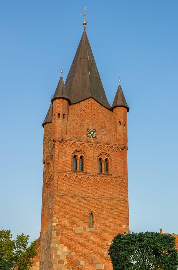 Turm des Sankt Petri Church in Westerstede lizenzfreie stockfotografie