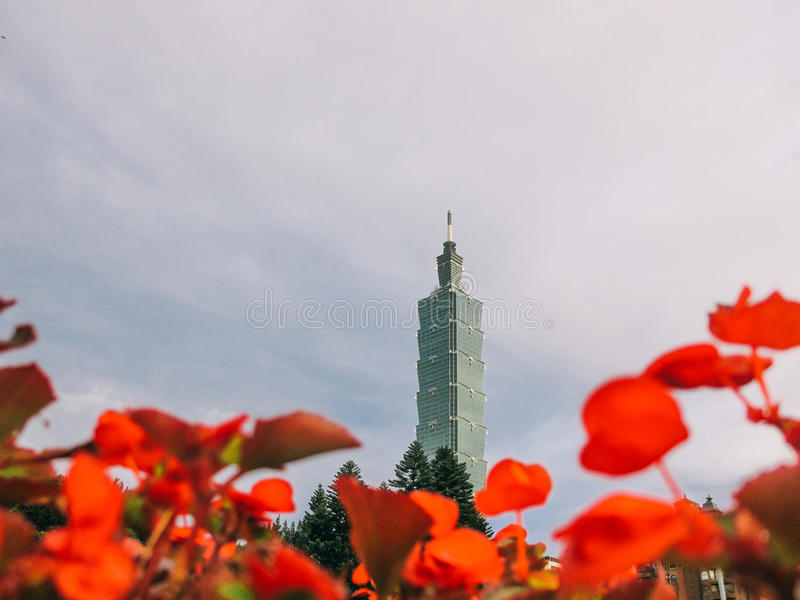 Turm Taipehs 101 in Taiwan stockbild
