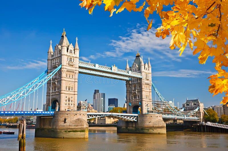 Turmbrücke in London stockfotografie