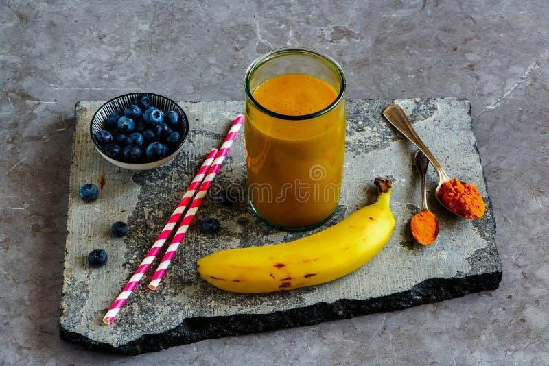 Turmeric μπανανών μάγκο καταφερτζής στοκ φωτογραφίες με δικαίωμα ελεύθερης χρήσης