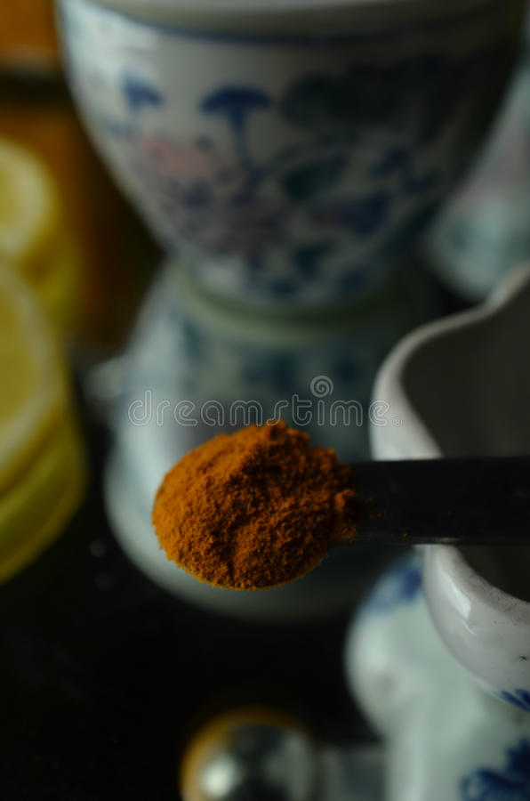 Turmeric rocznika herbacianej porcelany Chińskie herbaciane filiżanki obraz stock
