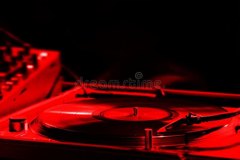 turntable транспаранта пленки просмотренный ночным клубом стоковая фотография rf