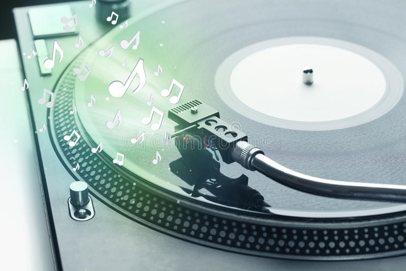 Turntable bawić się muzykę z audio zauważa jarzyć się fotografia royalty free
