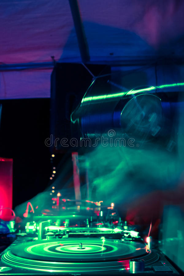 Download Turntable Royalty Free Stock Photos - Image: 33569468