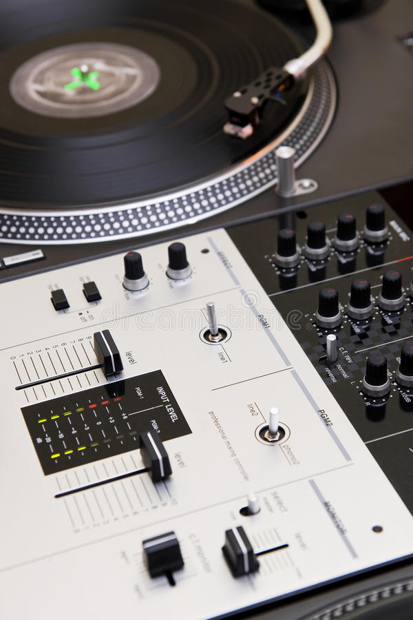 Download Turntable Playing Vinyl Record Royalty Free Stock Photography - Image: 26476657