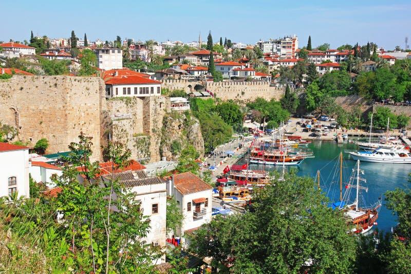 Turquia. Cidade de Antalya. Vista do porto foto de stock royalty free