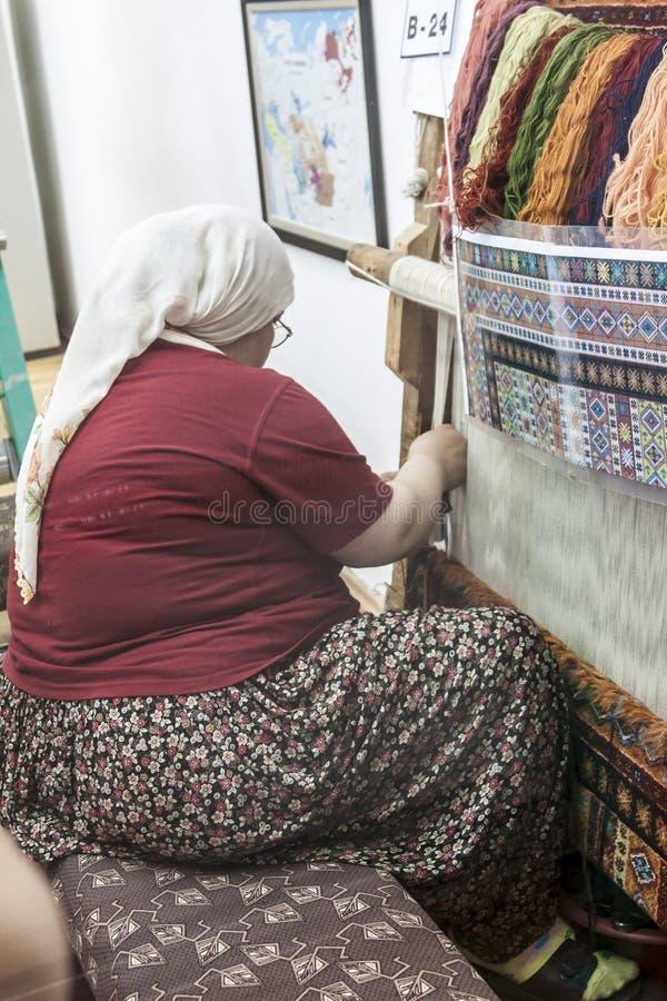 Turquia de tecelagem de seda manual fotografia de stock royalty free