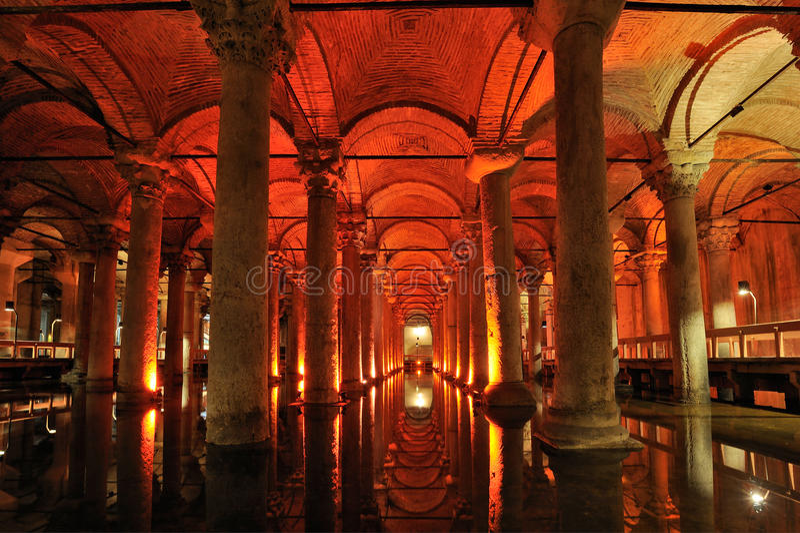 Turquia. Istambul. Cisterna subterrânea da basílica foto de stock royalty free