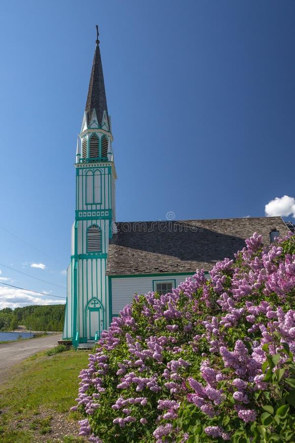 Turquoise et église blanche : Notre Madame de bon espoir images stock