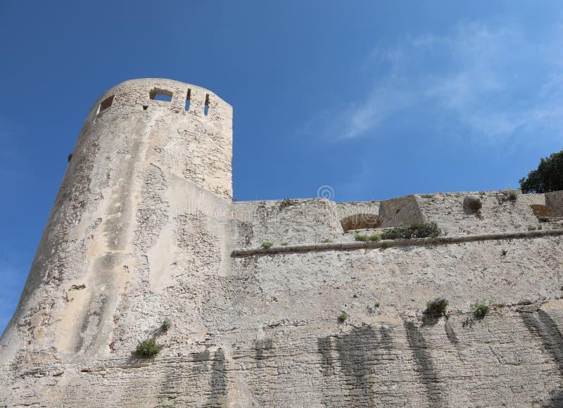 Turret efter Bonifacios fästning på Korsika arkivfoton