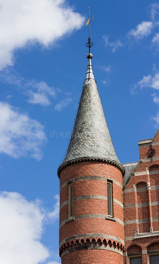 Turret på neo gotisk byggnad arkivbilder