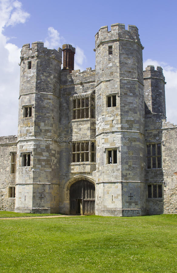 The turreta and ramparts of the ruins of Titchfield Abbey in Hamoshite stock images