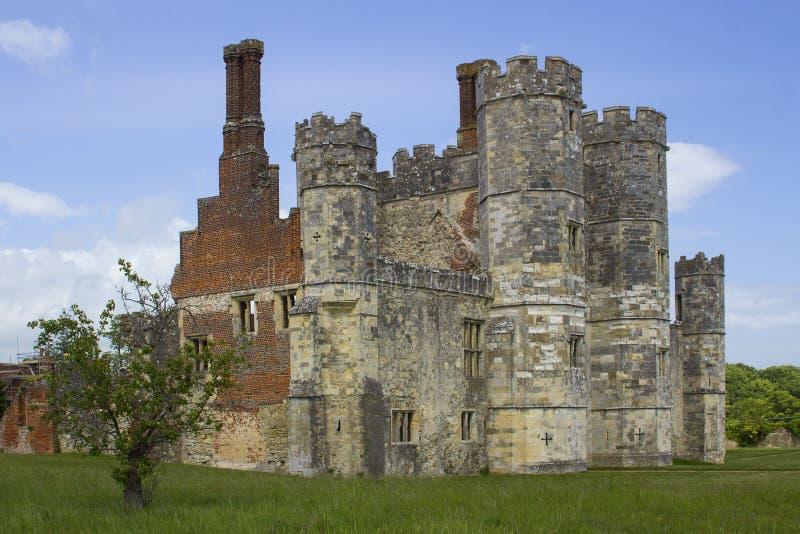 Turretaen och vallarna av fördärvar av den Titchfield abbotskloster i Hamoshite arkivbild
