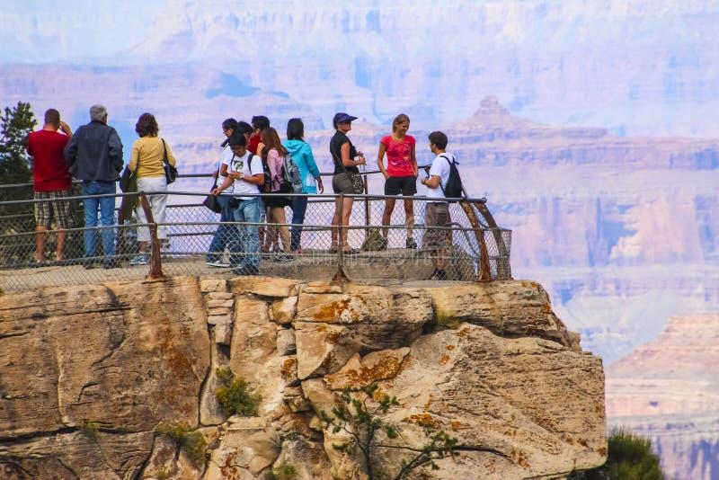 Turyści Cieszy się Uroczystego jar, Arizona obraz stock