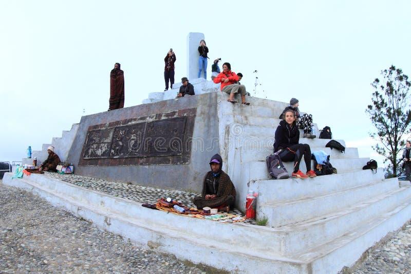 Turyści na Kelimutu fotografia royalty free