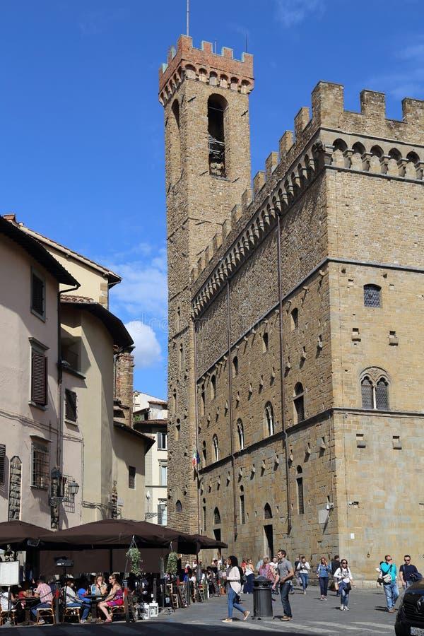 Turyści na piazza di Firenze w Florencja, Włochy obraz stock
