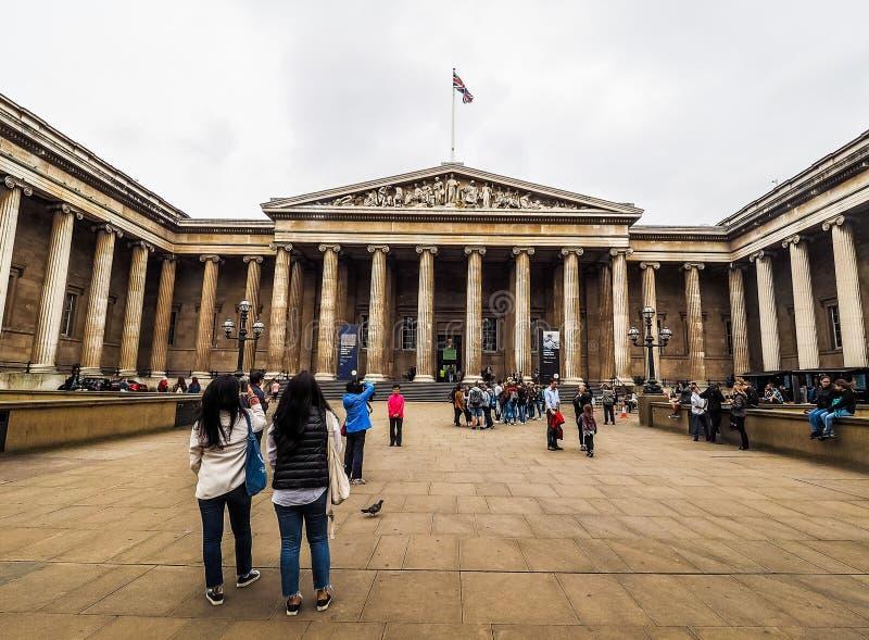 Turyści przy British Museum w Londyn (hdr) fotografia stock