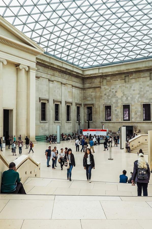 Turyści przy British Museum w Londyn (hdr) obraz royalty free