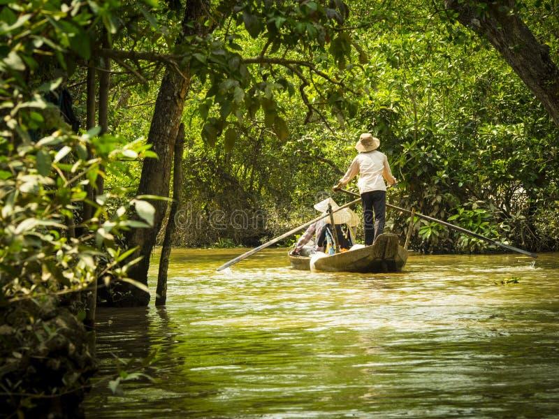 Turyści w łodzi w Mekong delcie fotografia royalty free
