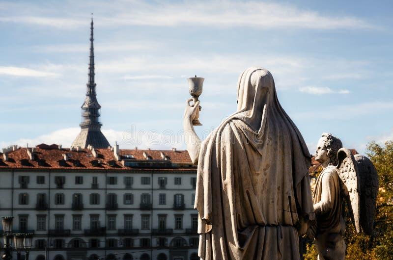Turyn, Granu Madre statua trzyma chalice obrazy royalty free