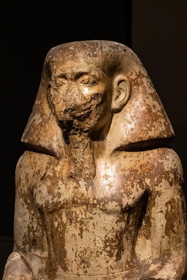TURYN, W?OCHY - 25 2019 Maj: Statua gubernator Wahka przy Egipskim muzeum - wizerunek obraz royalty free