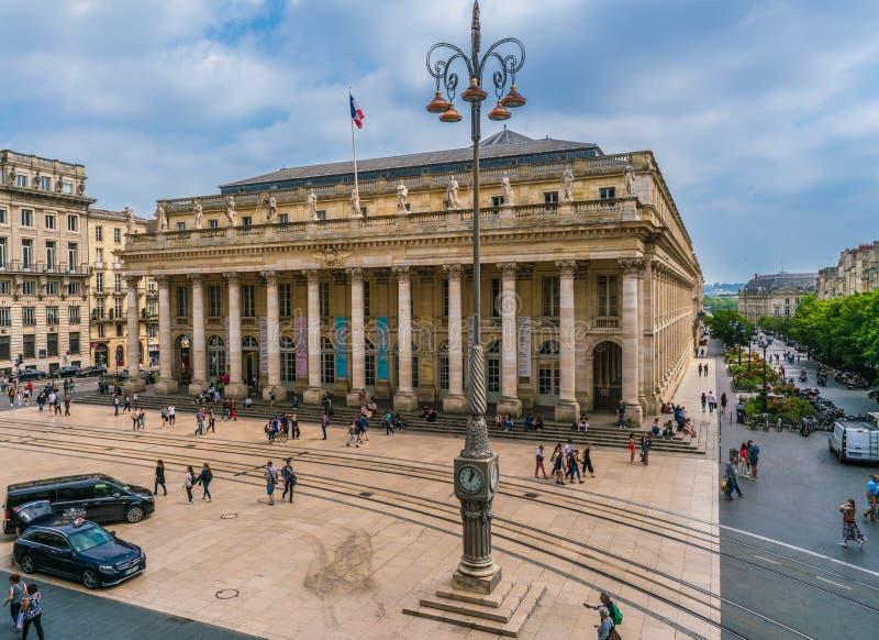 Turysta i miejscowi chodzi na głównym placu zdjęcia stock